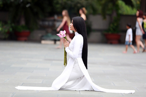 Lợi ích của pháp tu lạy Phật: Lễ Phật như thế nào để được liên tục và tiện  lợi? - CHUYỂN PHÁP LUÂN